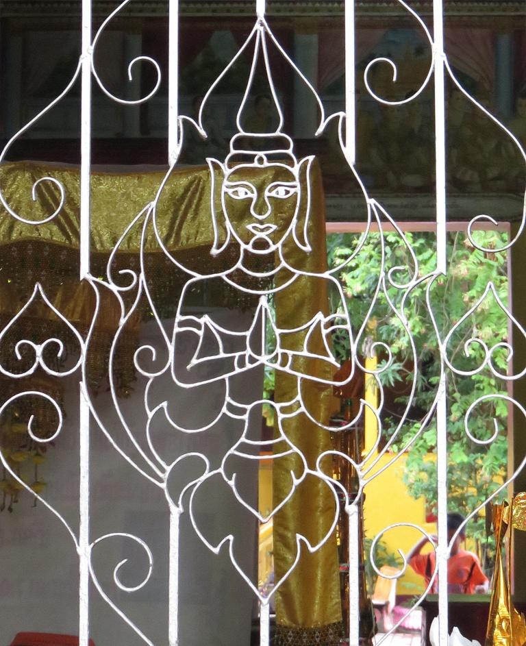 simuang_buddha_window