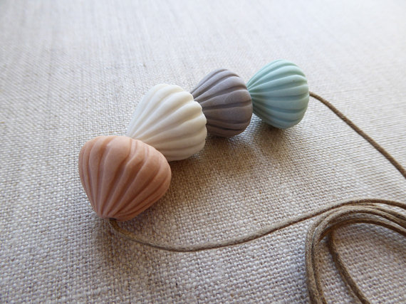 meringue necklace